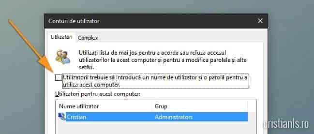 Utilizatorii trebuie sa introduca un nume de utilizator si o parola pentru a utiliza acest computer